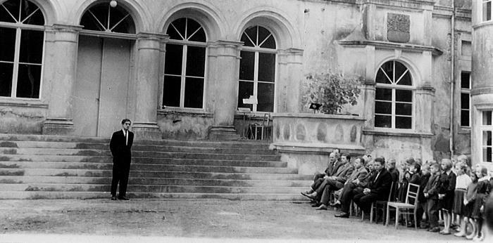 Otwarcie szkoły w dawnym pałacu w Pomorsku. 1961 r. (Arch. Kozubal)